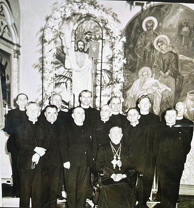 Metropolitan John meeting with clergy of the Pittsburgh deanery:  Row 1 left to right - Frs. H. Pypiuk, P. Kachmarskyj, Deacon T. Forosty, Frs. I Shnurer, P. Bilinsky, M. Karischak. Row 2: Frs. S. Vulchyn, E. Korolyshyn, A. Dworakiwsky, H. Chomytsky, M. P
